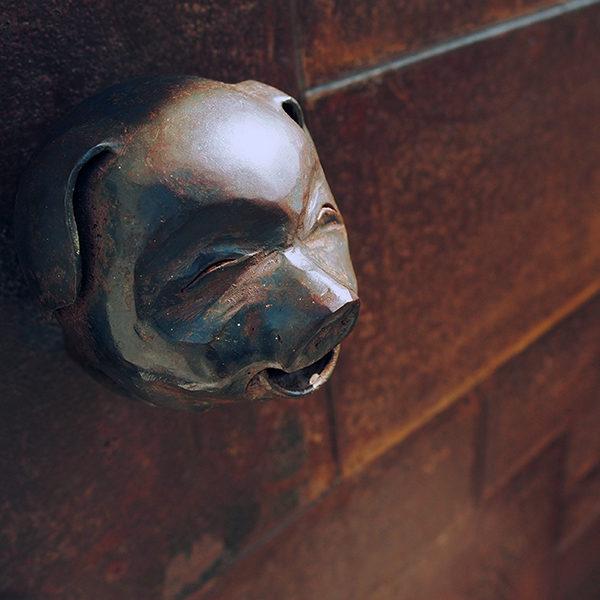 アイアン豚のドアノブ